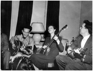 Alan Lomax, Woody Guthrie, Lillie Mae Ledford and an obscured Sonny Terry, New York, 1944 (Library of Congress Collection - photographer unknown)