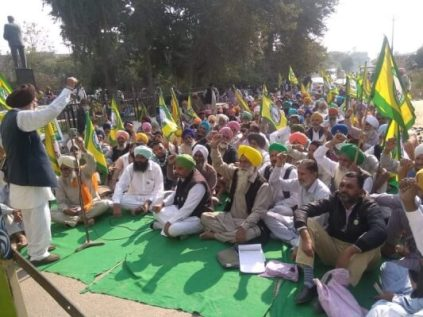 Farmers march towards delhi