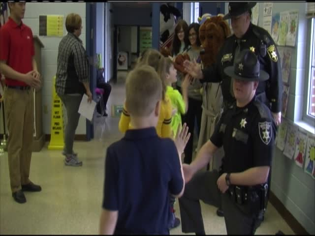 Berkeley County Sheriff-s Department visits school_14802325-159532