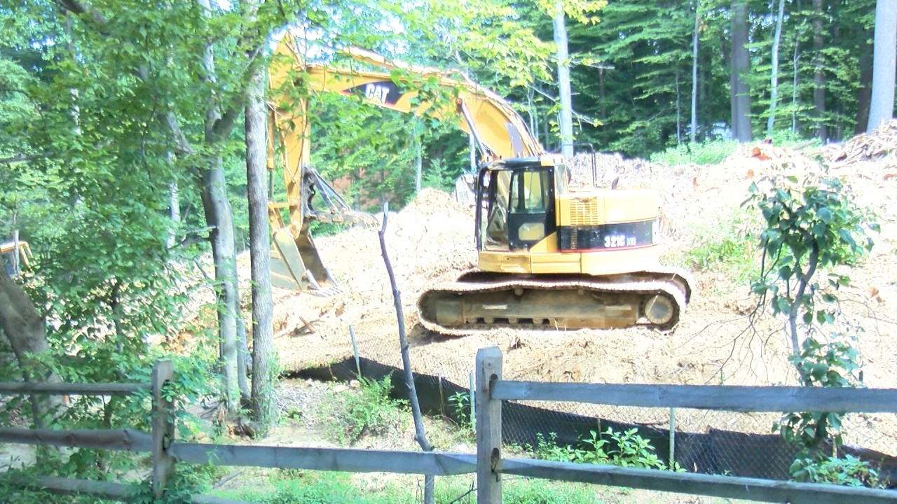 Boy dies after ditch collapses at McLean construction site