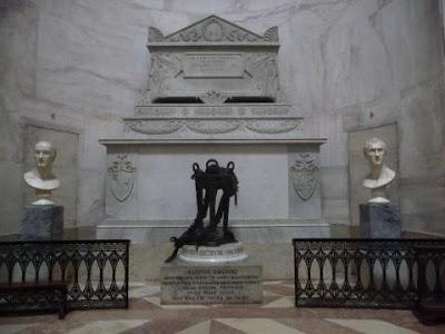 tomba Canova