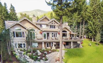 Julia Roberts Lakeside House in Whitefish, Montana