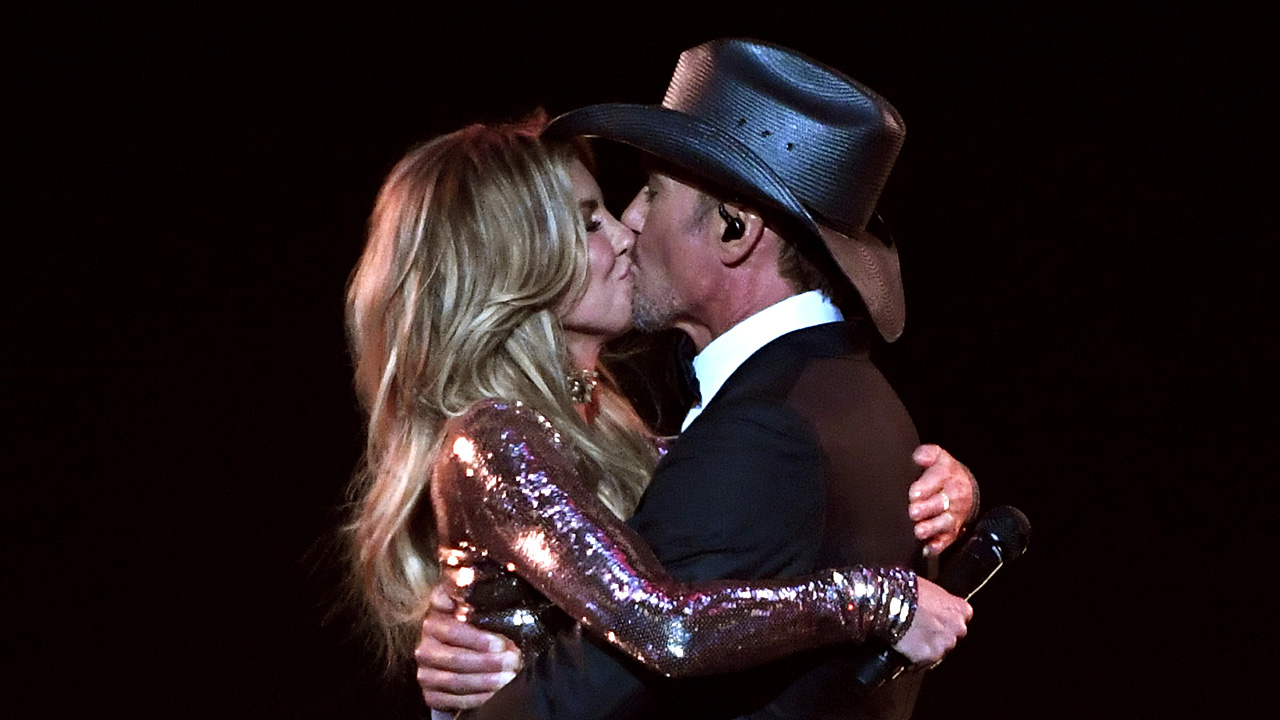 Faith Hill Tim McGraw Academy of Country Music Awards 201735064777-159532