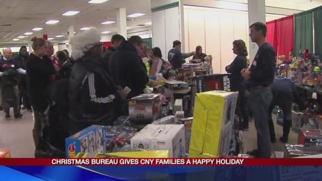 Christmas_Bureau_gives_CNY_families_a_ha_0_20171220232341