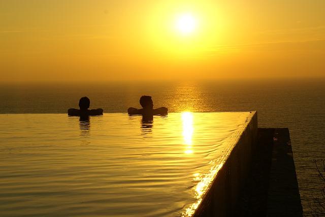 Location maison espagne avec piscine pas cher un choix - Location maison avec piscine barcelone ...