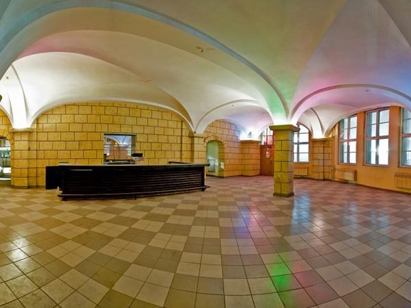 Monumentale Industriehalle in Berlin mieten