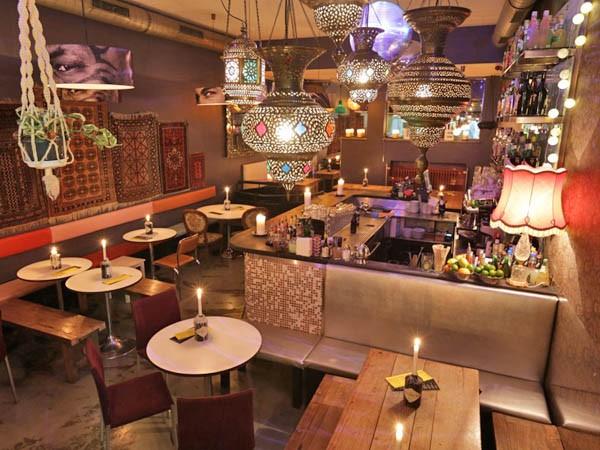 Kleines Restaurant mit orientalischen Anklngen in Mnchen