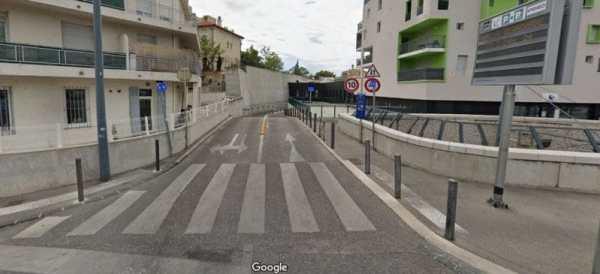 Location voiture parking Vinci Marseille