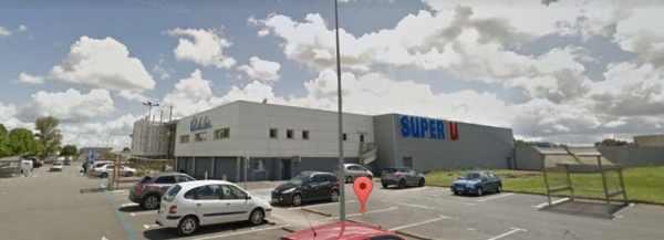 Super U location LA CHARTRE SUR LE LOIR