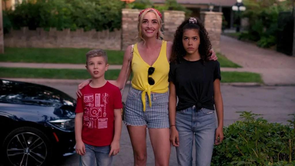 Diesel La Torraca, Brianne Howey e Antonia Gentry in Ginny & Georgia (2021)