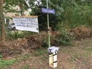De buurt zamelde al dik 200 handtekeningen in tegen het plan Polsvoort. (foto: LochemsNieuws)