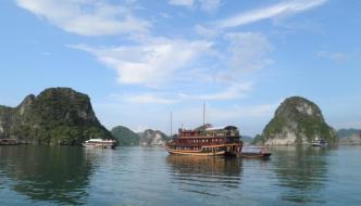 La Bahía de Halong, una de las 7 maravillas naturales del mundo
