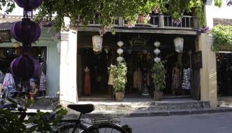 Montando en moto y unas clases de cocina en Hoi An