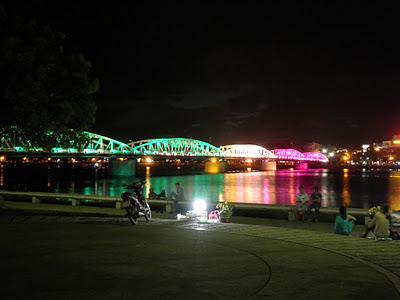 Puente en Hue