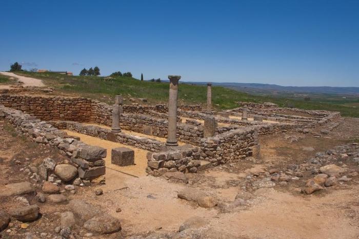 Casa con columnas en Numancia