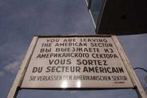 Cartel del Checkpoint Charlie