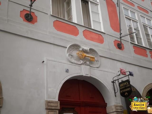 calle-Nerudova-8-