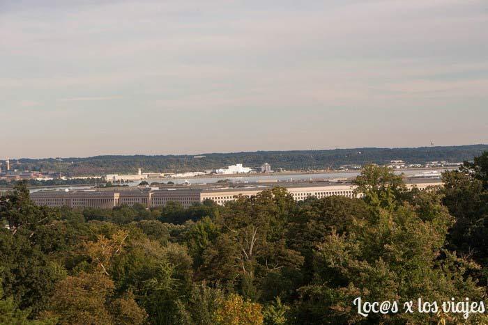 El Pentágono visto desde el Cementerio Nacional de Arlington