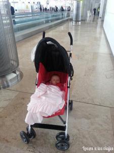 Bebé en el aeropuerto