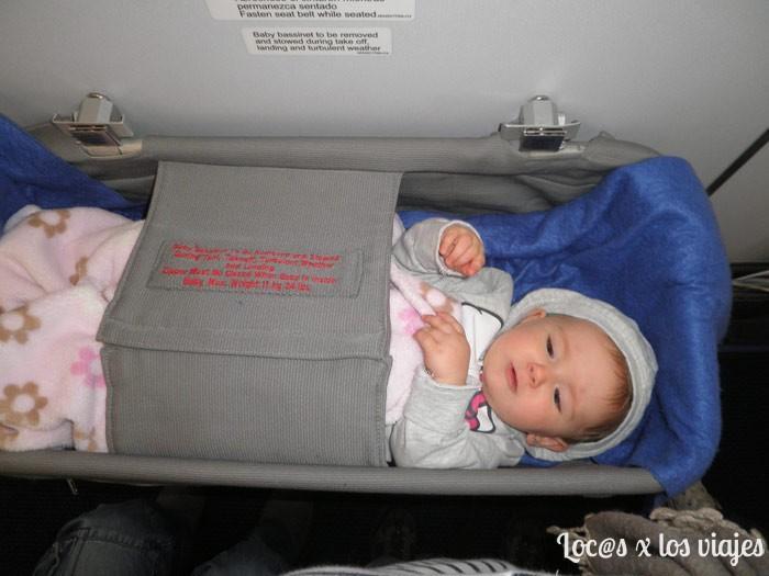 Bebé en avión