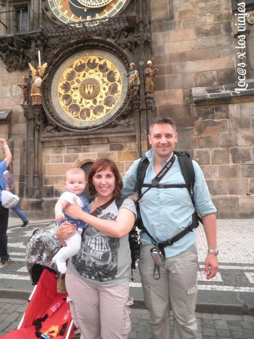 Junto al Reloj Astronómico de Praga