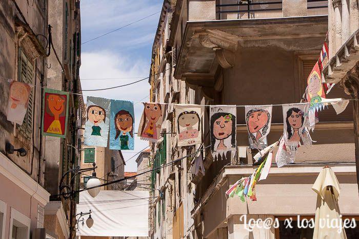 Banderolas del Festival Internacional del Niño en Sibenik