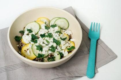 Salade de quinoa aux courgettes, à la menthe et à la feta