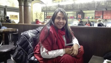 Marilyn Black Elk tijdens ons gesprek in het station van Gent-Sint-Pieters op 28 november