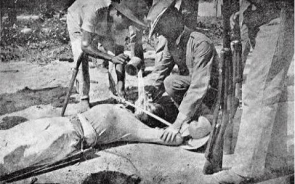 Japanse soldaten die tijdens de Tweede Wereldoorlog gevangenen waterboarden werden na de overgave geëxecuteerd