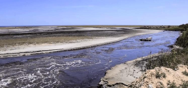 Hier werd ooit gevist, vandaag is deze rivier dood