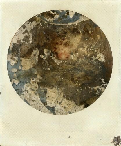 """Polaroid, sang menstruel (voir article """"Lune Rouge"""")"""