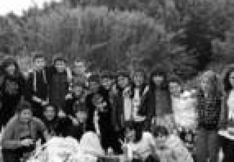 voluntarios y chavales de la Ikastola de Lodosa en la Badina