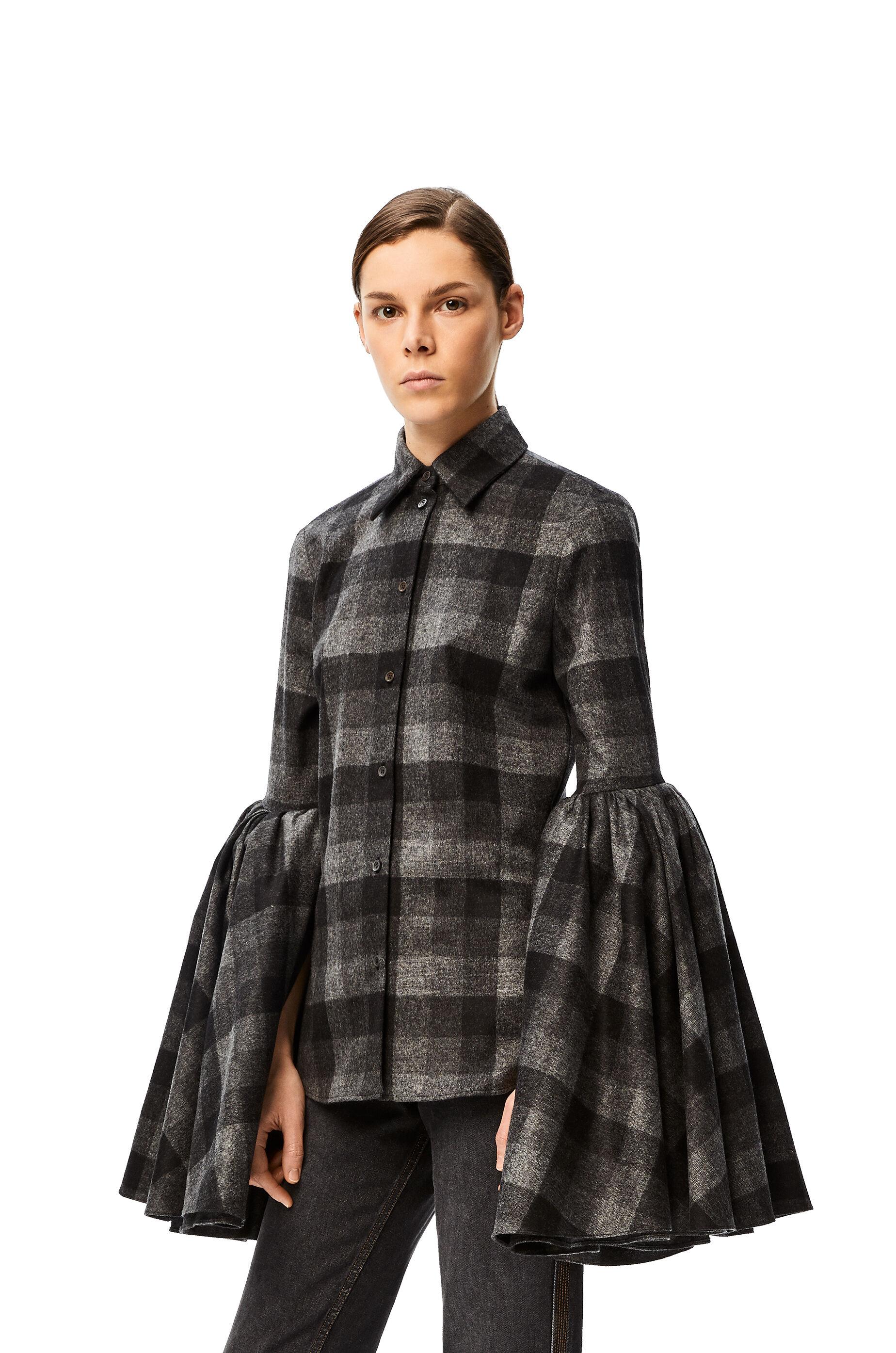 Bell sleeve shirt in check wool 黑色/灰色 - LOEWE