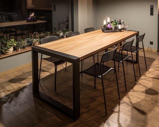 Stół z drewnianym blatem do jadalni Coliber