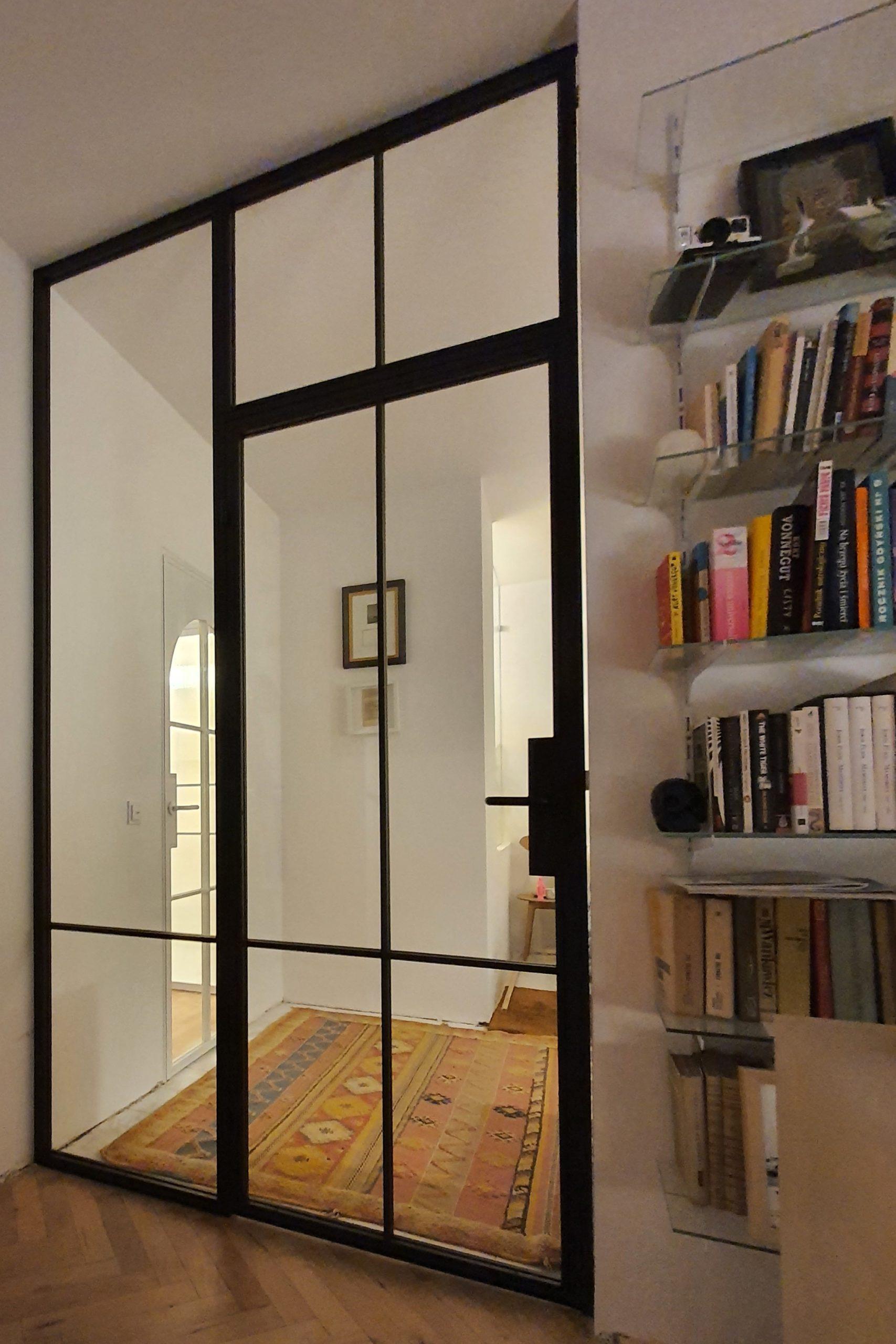 Loftowe drzwi otwierane z doświetlem