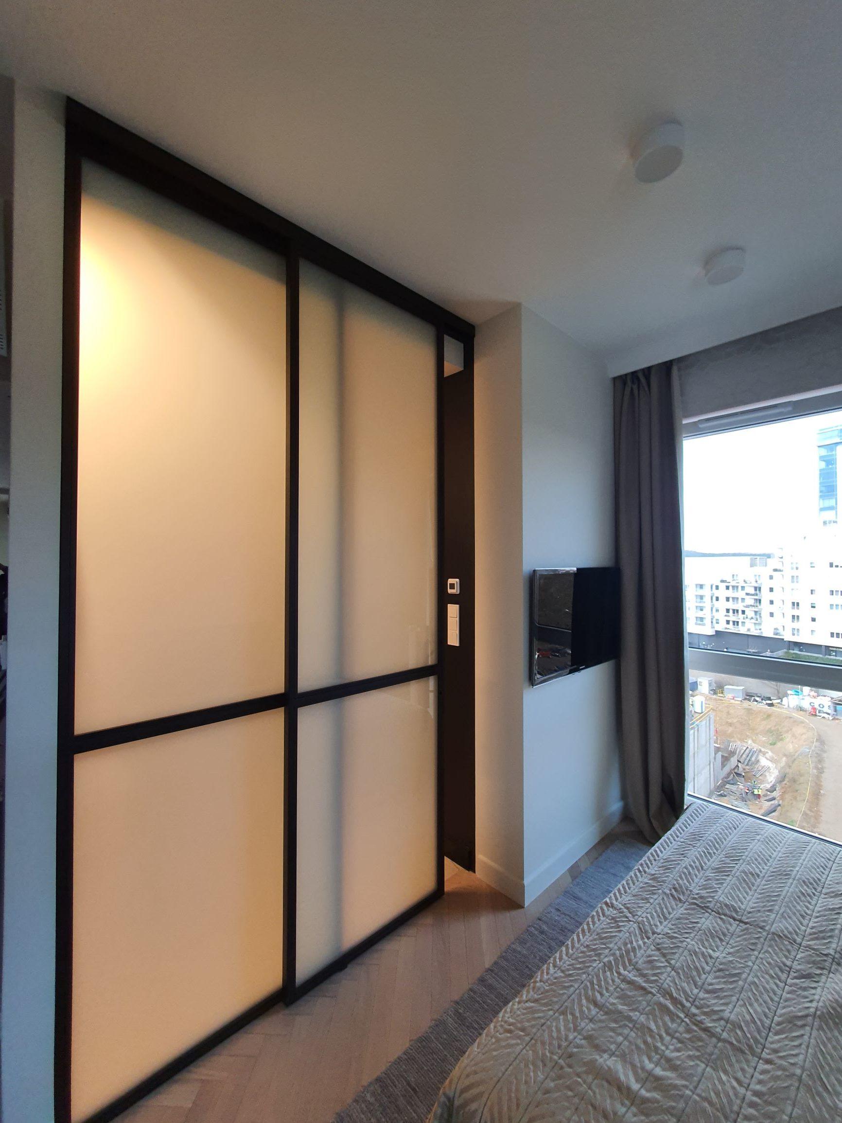 Loftowe drzwi przesuwne, ścianka
