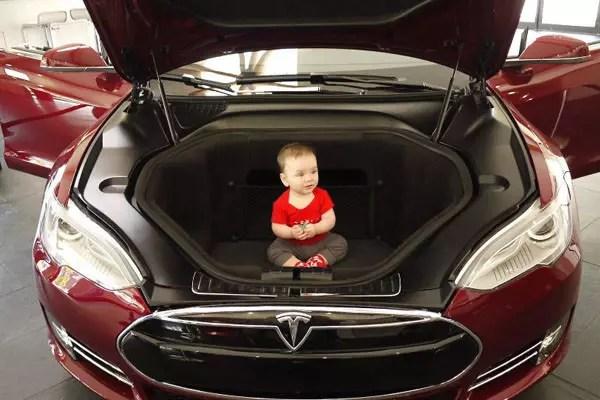 9-fact-Tesla-hood