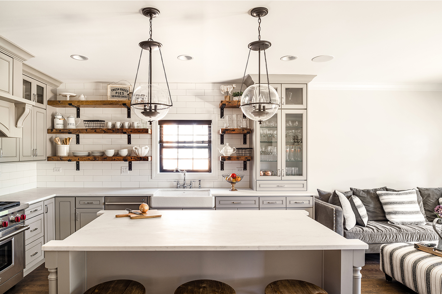 How to stage your kitchen to sell faster with Lofty Real Estate