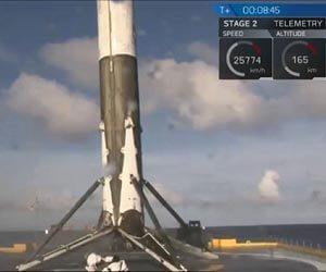 spacex-barge-landing-3-closeup-lg.jpg