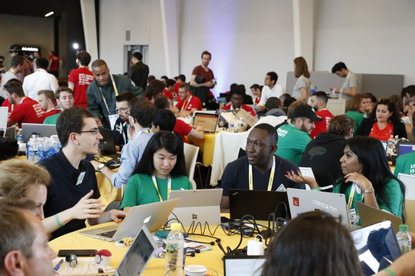 [NEWS] Developers – sign up to hack at the TC Hackathon at VivaTech – Loganspace