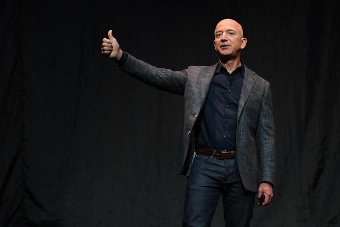[NEWS] Billionaire Jeff Bezos to unveil plans for moon presence, sources say – Loganspace AI