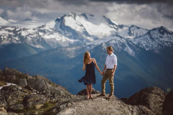 engagement-photography-peak-whistler_001
