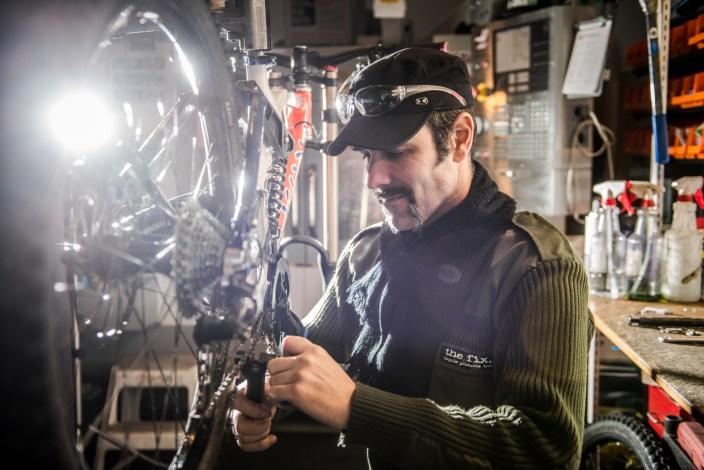 whistler-bike-mechanic-photographer