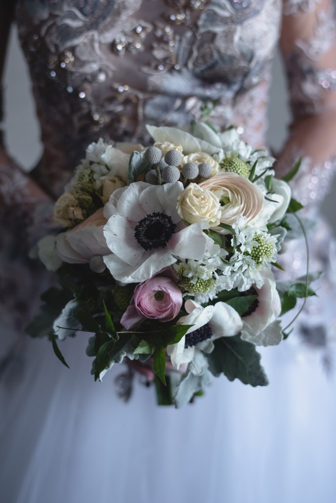 whistler-winter-wedding-fairmont-bride-bouquet