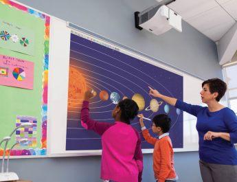 beam interactive projector