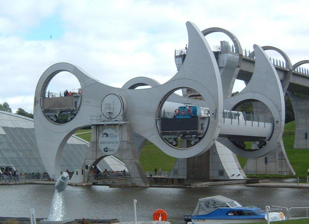 Falkirk Wheel - metade do caminho