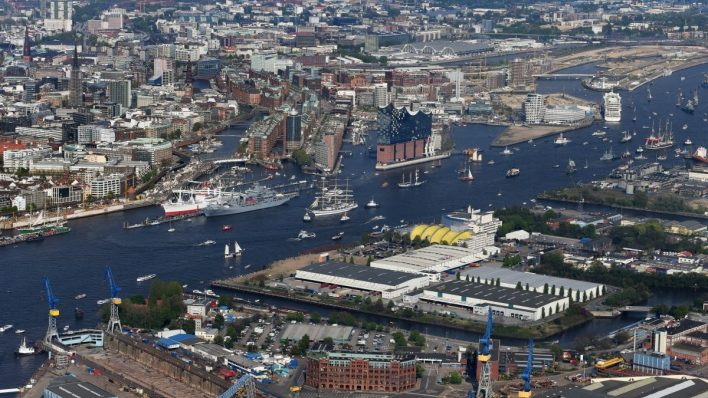 A Look into the Port of Hamburg, the Gateway to the Heart of Europe - Logistics Manager