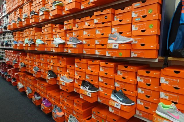 rack room shoes logos