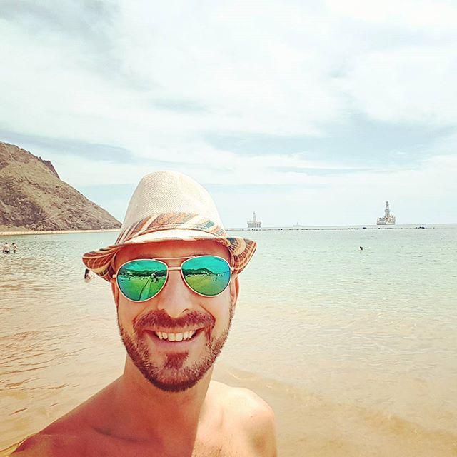 Beach life in Tenerife #cruise #crew #sailing #sea #cruise #crew #sailing #travel #traveling #visiting #traveler #instatravel #instago #instagood #trip #photooftheday #travelling #instapassport #instatraveling #mytravelgram #travelgram #travelingram #igtravel #instalife #travelblog