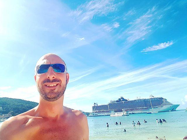 My lazy New Year day on the beach  #ochorios #jamaica #noproblem #cruise #crew #sailing #travel #traveling #traveler #instatravel #instago #instagood #trip #photooftheday #instapassport #instatraveling #mytravelgram #travelgram #travelingram #igtravel #instalife #travelblog #sea